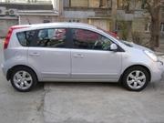 Продам машину Ниссан Нота 2008г. хэтчбек